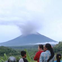 Debu vulkanik