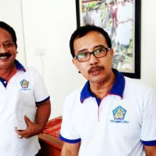 IB Ludra (kiri) dan I Nyoman Sujaya