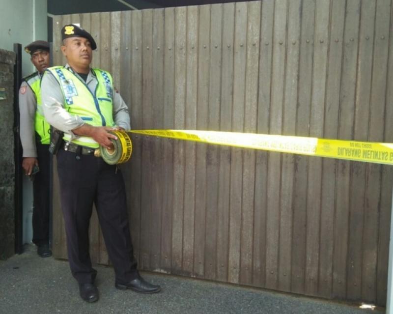 garis polisi