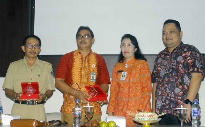 Adira Finance Beri Pelatihan Bisnis Manajemen 2 Smk Di Bali Bali Tribune
