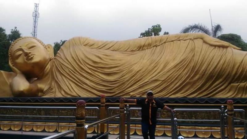 Patung Buddha Tidur Obyek Wisata Di Mojokerto Bali Tribune